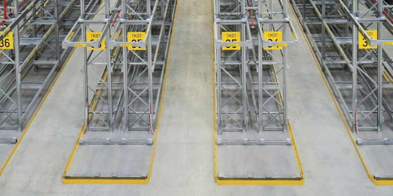 P90 Narrow Aisle Racking